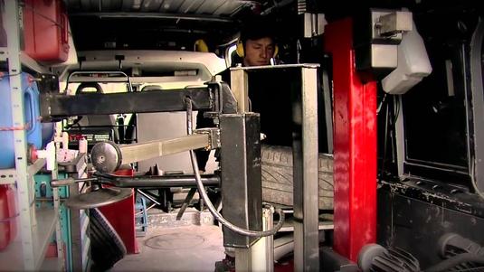 Emmanuel Menoud Tyre Truck changement de pneus a domicile changement de pneus valais pneu valais suisse