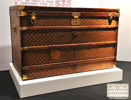 Louis Vuitton High Trunk - Tropical Checkerboard     Year: around 1895
