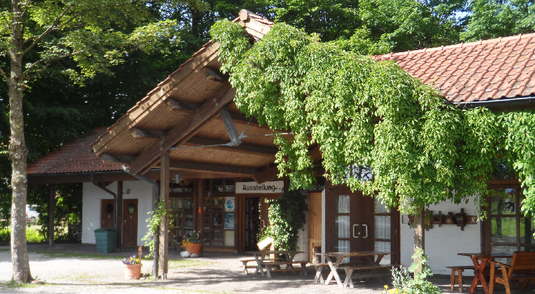 Naturpavillon Übersee LBV Chiemgau Natur Umwelt Bayern Ausstellung Führung