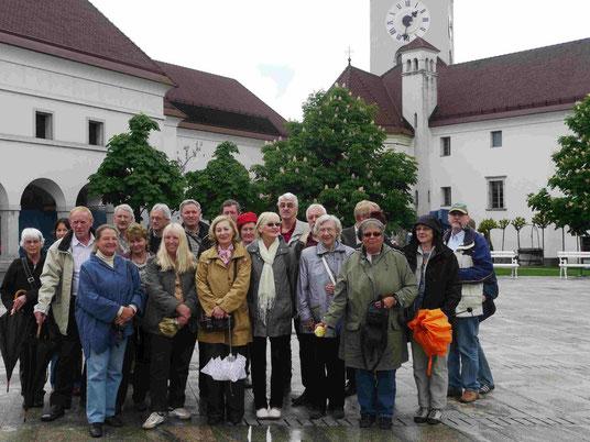 TKK-Reisegruppe auf der Burg von Ljubljana