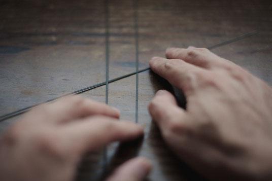 六つ目編みの竹籠の編みはじめ