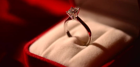 婚約指輪って必要なの?