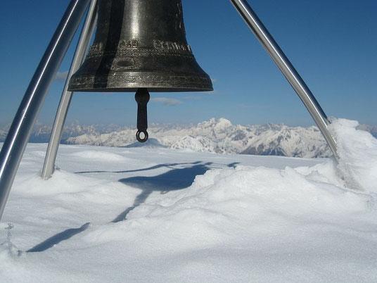 Am Gipfel vom Roßkofel, im Hintergrund wieder der Collin und die Kellerwarte