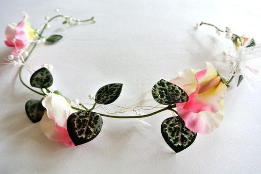 Haarkranz Haarkränzchen Haarband Kommunion Hochzeit Blumen Blätter Rosa Weiß