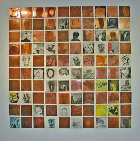 100 Köpfe (Installation aus Kupferplatten und Radierungen, ca. 200 cm x 200 cm, Kunstmuseum Solingen, 2005/06)