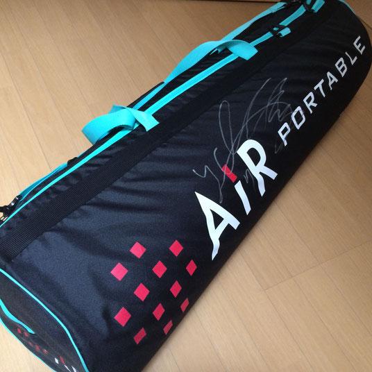 FC東京の米本選手のサイン入りAirポータル