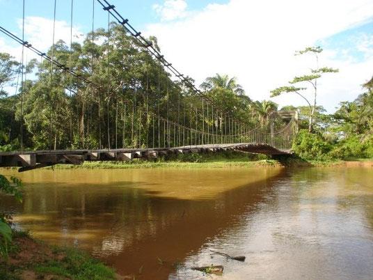 """puente  construido para mejorar acceso a veredas """"puente bella vista"""""""