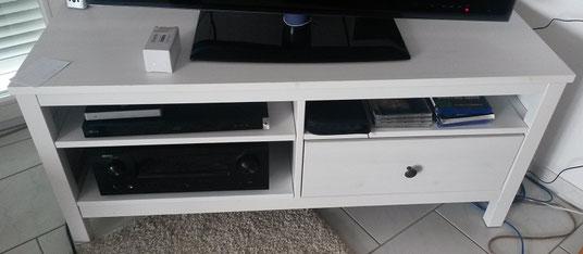ikea hemnes tv bank brett mit spa selbstgemacht kleinigkeiten die freude machen. Black Bedroom Furniture Sets. Home Design Ideas