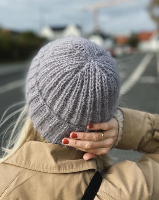 Septembet Mütze von PetiteKnit jetzt als Strickset bei Wooltwist.de