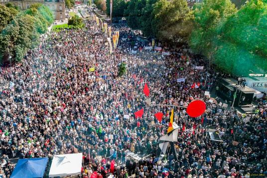Abschluß-Kundgebung auf dem Stuttgarter Schloßplatz (Fotos: Dr. G. Strobel)