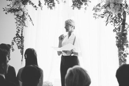 Freie Trauung Mitteldeutschland, Freie Hochzeit Thüringen, Hochzeitsrednerin Carolin Thüringen, Freie Trauzeremonie Thüringen