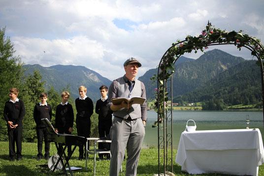 Freier Redner Bayern, Freie Hochzeit Bayern, Freie Trauung Bayern, Erfahrungsbericht Freie Trauung, Bewertung Strauß&Fliege