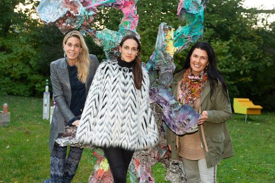 Die Gastgeberinnen: Sandra Maria Soravia-Lepuschitz, Lisa Kandlhofer und Renate Altenhofer; Foto: (c) Alice Schnür-Wala