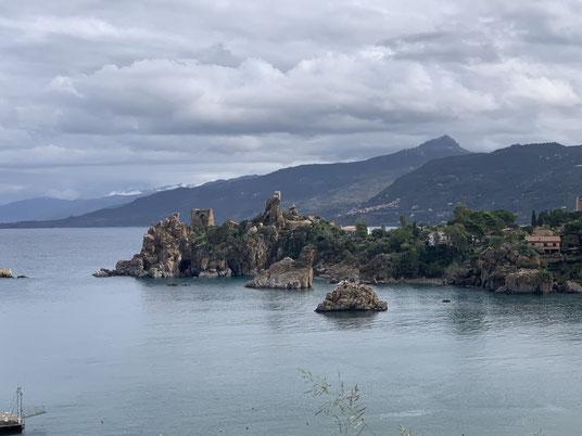 Italien, Sizilien, Sehenswürdigkeit, Cafalú, Kreidefelsen, Kalkfelsen, Kirche, Burg, Strand, Meer