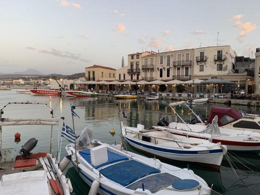 Griechenland, Kreta, Sehenswürdigkeit, Reisebericht, highlight, Urlaub, Rethymno, Hafen, Promenade, Boot,Leuchtturm