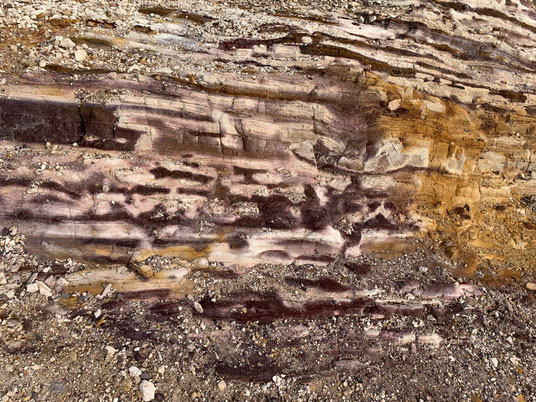 Schwefel verleiht der Erde diese Farben