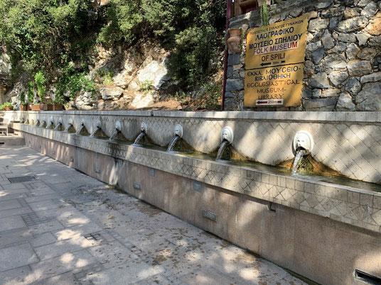 Griechenland, Kreta, Sehenswürdigkeit, Reisebericht, highlight, Urlaub, Spili, Löwenkopf, Heilwasser, Brunnen