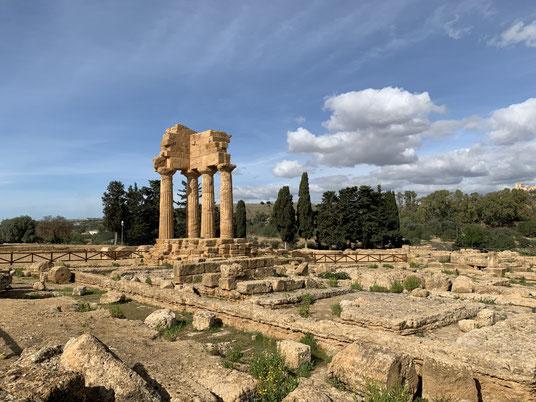 Italien, Sizilien, Sehenswürdigkeit, Agrigento, Valle dei Templi, Tal der Tempel, Ausgrabungsstätte, Antike, Dioscurentempel