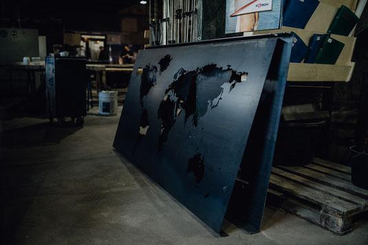 Stahl Weltkarte im Lager