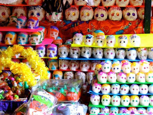 Calaveritas de Azúcar am Markt in Mérida (Foto: Natalie Mair)