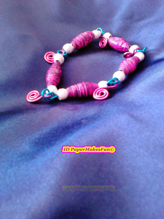 Paperbead Bracelet with Wireelements