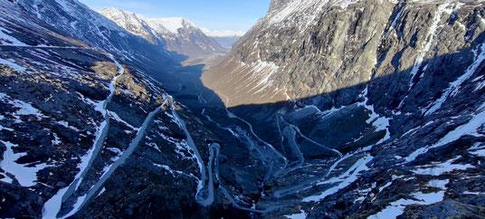 Pauls Ausblick während der Tiefschnee-Wanderung zum Trollstigen-Pass