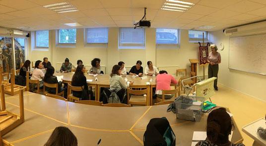 Der Schwedisch-Unterricht beim Mötesplats Caritas