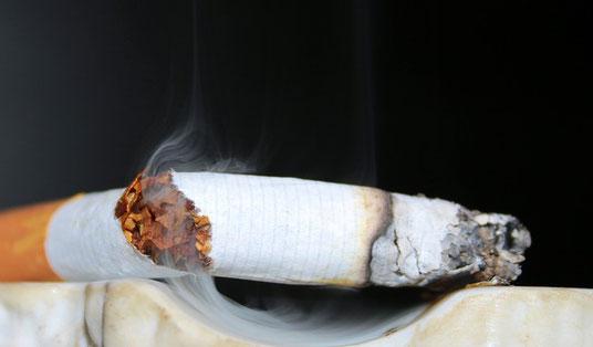 Arrêter de fumer. Arrêt du tabac.libérer du tabac.Stop cigarette, tabac.ne plus fumer