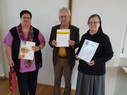 Die Geehrten von links: Elisabeth Beck, Philipp Blaser, Sr. Eva Maria Schenk. Es fehlen: Rita Rädle und Karl Burger