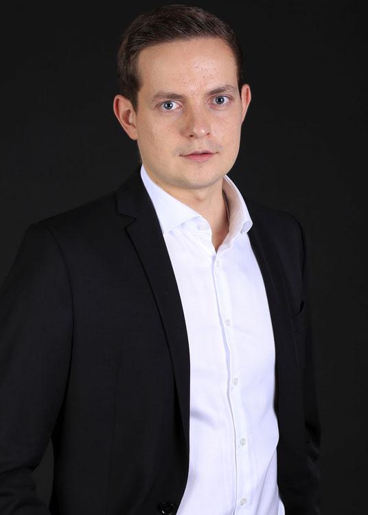PAVEL KVASHNIN, Tenor