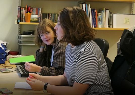 Praktikantinnen bei der Arbeit (Foto: Antonia Stahl)