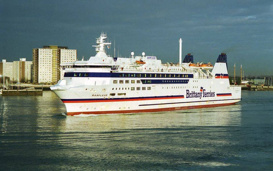 Barfleur leaving Portsmouth in her first Brittany Ferries livery.