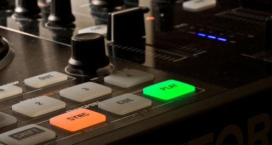 Meine Technik garantiert brillanten  Klang und tolle Lichteffekte - Ihr DJ für Hochzeit, Geburtstag, . . .