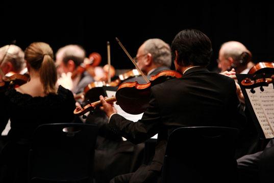 老若男女全世代の求人マッチングによる「一億総就労社会」の日本オーケストラ!