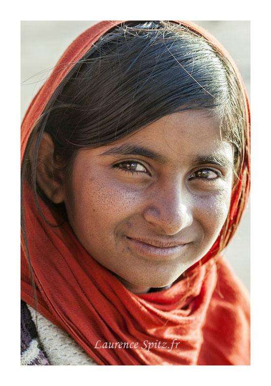 • La petite vendeuse de bracelets • Pushkar
