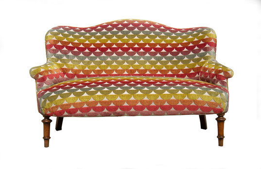 Tappezzeria divano antico