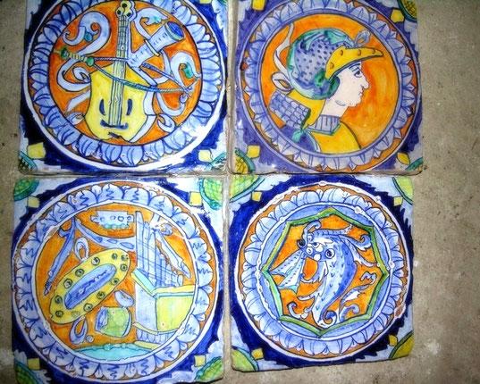 mattonelle dipinte a mano ceramica antica ceramic italian PANEL IM ALTEN MAIOLICA REPRODUKTION Kirche San Sebastiano Venedig Italien