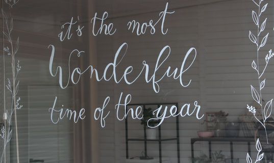 handlettering weihnachten, weihnachtsdeko fenster, weihnachtsdekoration für weihnachten diy