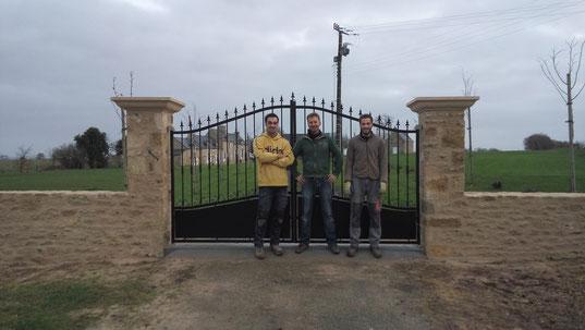 réalisation de deux piliers d'entrée sur la commune du Quiou