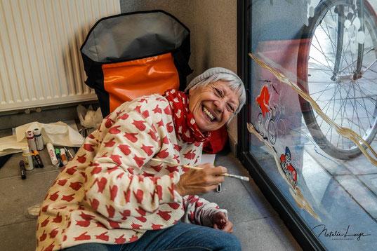 Mieke Drossaert aan het werk tijdens de Drawing Days 2018