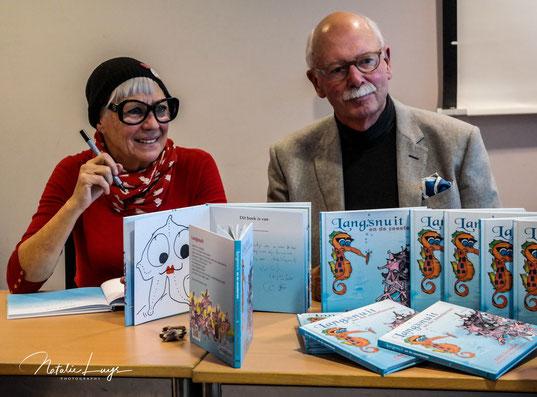 Eddy Surmont en Mieke Drossaert bij de presentatie van hun sprookje.