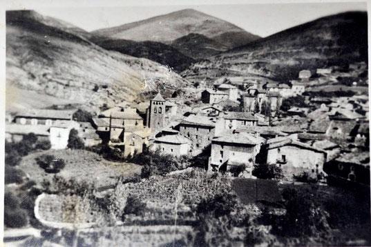 Longás entre los años  '40 y '50. Foto de Juan Carlos Lafuente Zamboraín