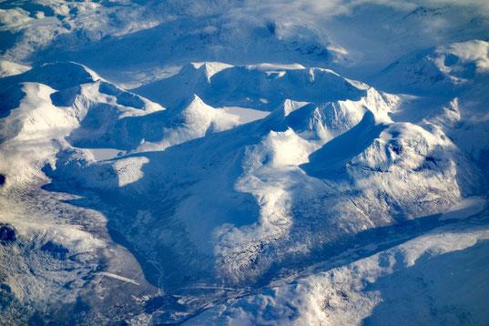 Norwegens arktischer Norden aus 8.000 m Höhe