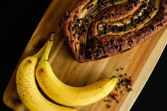 Bananenbrot mit Kakaonibs | clean und natürlich gesüßt