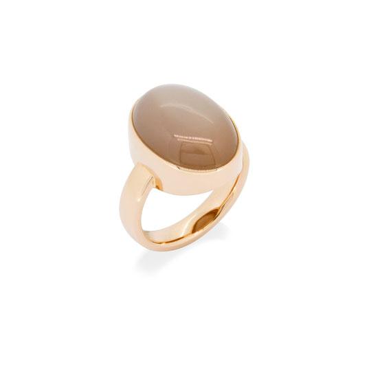 cremefarbener-mondstein-rosegold-ring-goldschmiede-atelier-herzog-handmade-in-austria