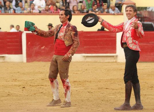 Volta de António Melara Dias com Pablo Hermoso de Mendoza na Corrida da Feria Internacional Del Caballo Texcoco - México.