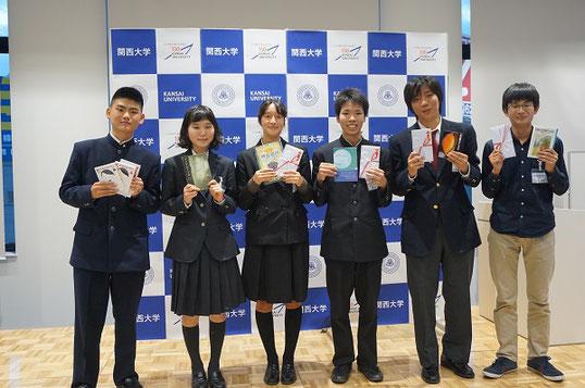 関西大会 決勝出場のみなさん。左から 山本恭太郎さん、神野キョーコさん、福田沙織デリシアさん、関友介くん、乾剛樹くん、金澤晴樹くん
