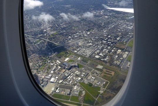 Moffett Federal Airfield (Google) und NASA´s National Full-Scale Aerodynamics Complex (NFAC)