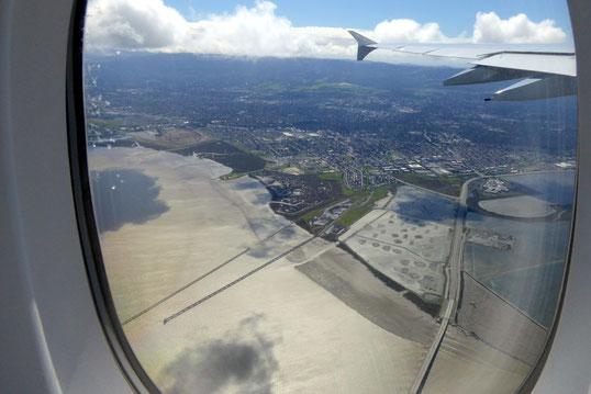 Menlo Park, CA; unten rechts die Dumbarton Bridge