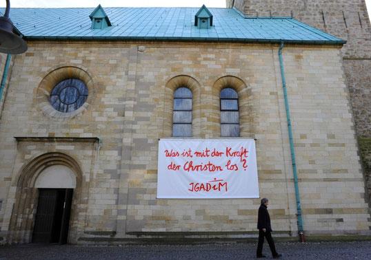 Ausstellung: Was ist mit der Kraft der Christen los? IGADiM |Foto Peter Kallwitz  Vergrößerung: Klick auf das Bild.